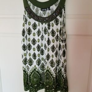 Apt 9 Green & White Sleevless Tunic Size XL